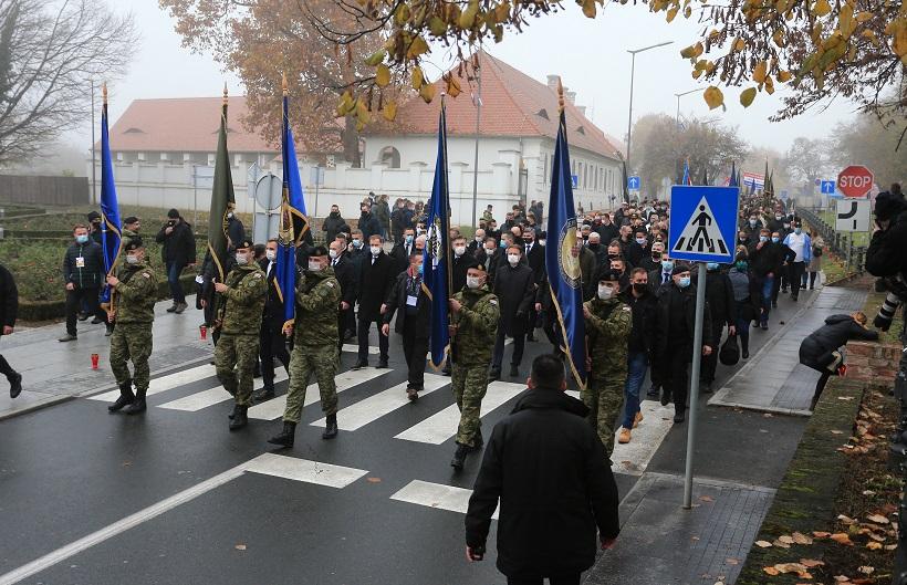 Vukovar: U Koloni sjećanja nekoliko tisuća ljudi