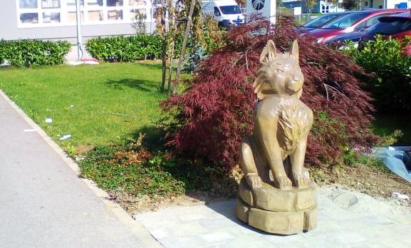 """U utorak otkrivanje skulpture mačka Ljubija, lika iz romana """"Pinceza Hedy"""" Josipa Petrlića Pjera"""