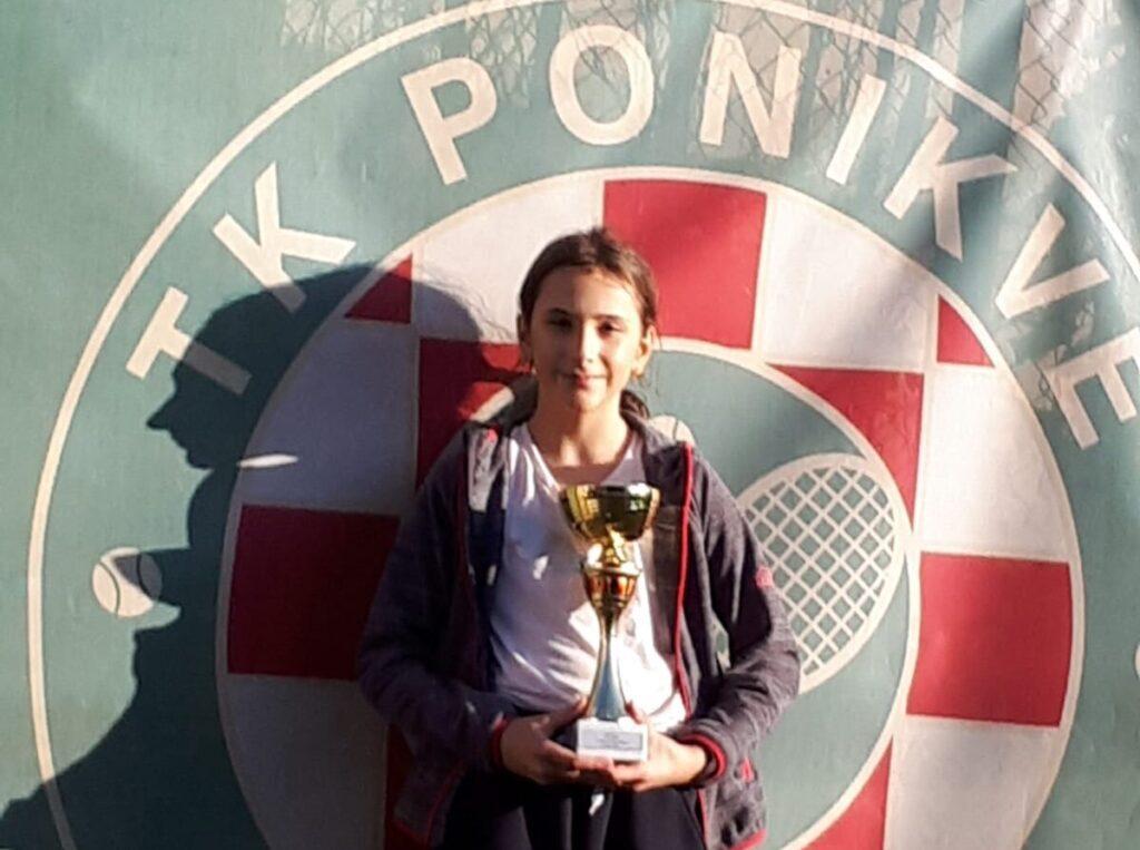 TENIS Mia Robotić osvojila turnir u Zagrebu