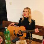 AFTER PARTY Miss Supranational Koprivničko-križevačke županije uzela gitaru