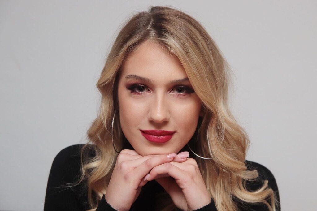 Nina Bojanović: Sedam godina aktivno sam se bavila plivanjem, a modelingom se planiram baviti i izvan Hrvatske