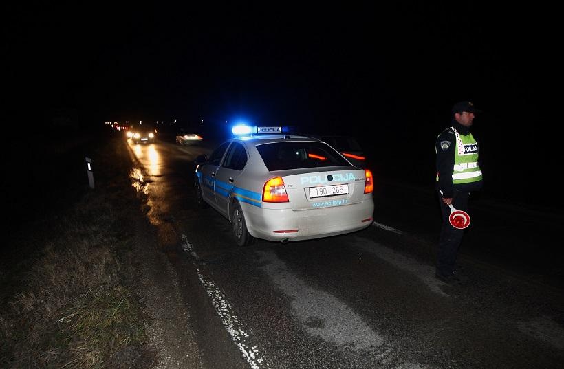 Došlo je do prevrtanja vozila, jedna osoba preminula u bolnici