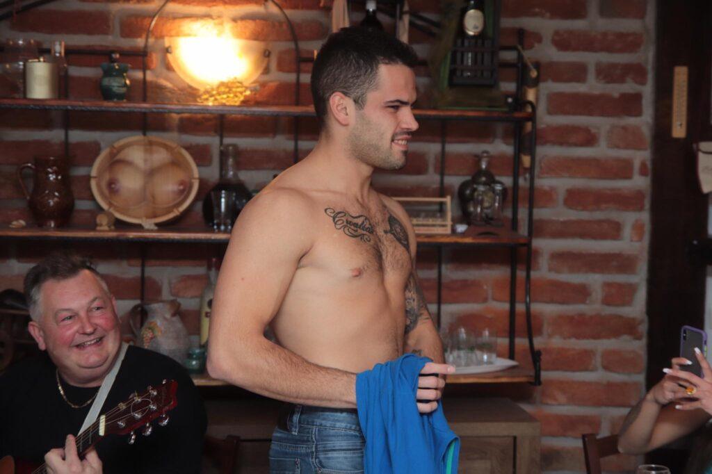 """MMA borac u studiju: Kristina Mandarina: """"Vruće mi je, Luka možda da skineš majicu"""""""