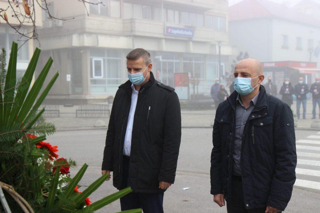 Vrbovec: Vijenci i svijeće za Vukovar i Škabrnju