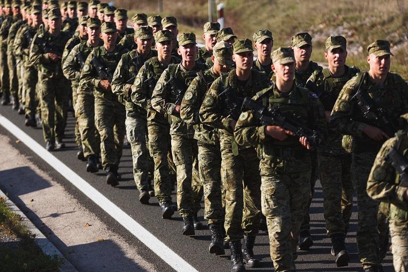 Buduće vođe Hrvatske vojske na završnoj hodnji do Knina
