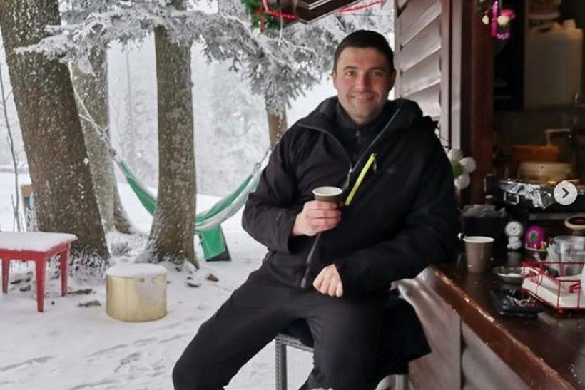 Bernardić na Sljemenu: 'Prvo kuhano vino na prvom snijegu ove godine'