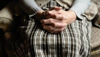 I TOGA IMA 72-godišnjakinji obećali istjerati vraga iz kuće pa je prevarili
