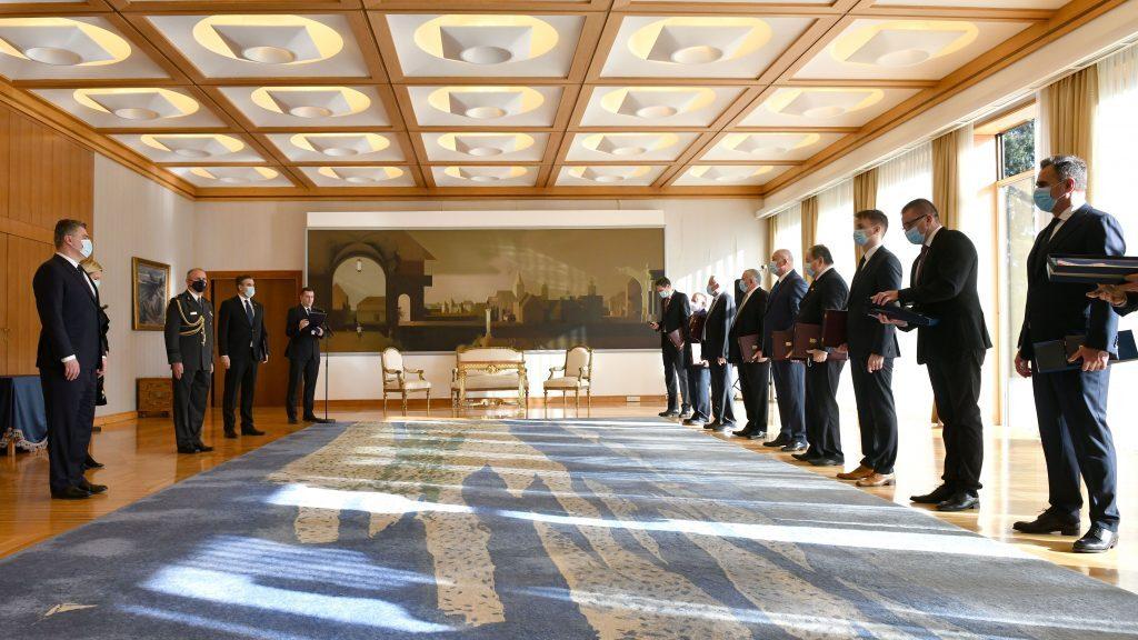 Milanović uručio odlikovanja umirovljenim generalima HV-a i postrojbama HVO-a i Specijalne policije MUP-a HR HB