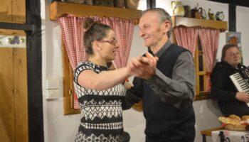 [VIDEO] Svi su zaplesali, a vatrogasac Ivan obožavatelj je plesnih koraka