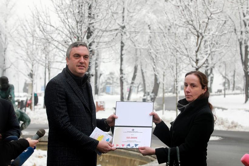 Gospodarska komora Srbije donirala 50.000 eura stradalima u potresu