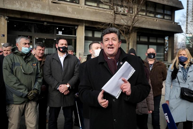 Suverenisti oštro protiv Zakona o civilnim stradalnicima iz Domovinskog rata: 'Omogućuje se stjecanje naknade i neprijateljima države'