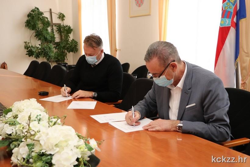 Koprivničko-križevačka županija za prijevoz osnovnoškolaca u ovoj godini osigurala osam milijuna kuna