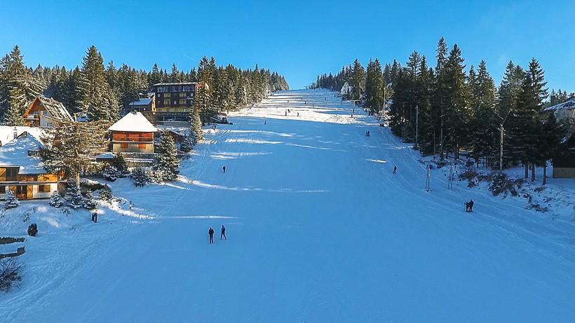 Gledatelji na švicarskim skijalištima samo uz negativan PCR test