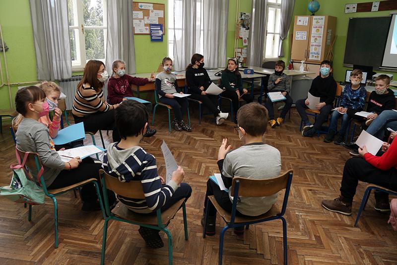 """U OŠ Ljudevita Modeca Križevci u tijeku radionice  """"GiftedHUHR"""" projekta za potencijalno darovite učenike"""