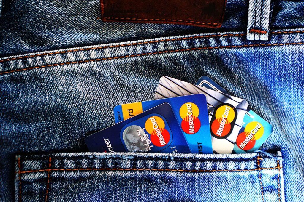 Ukrala bankovnu karticu s pinom… vlasnik ostao bez lijepe svote