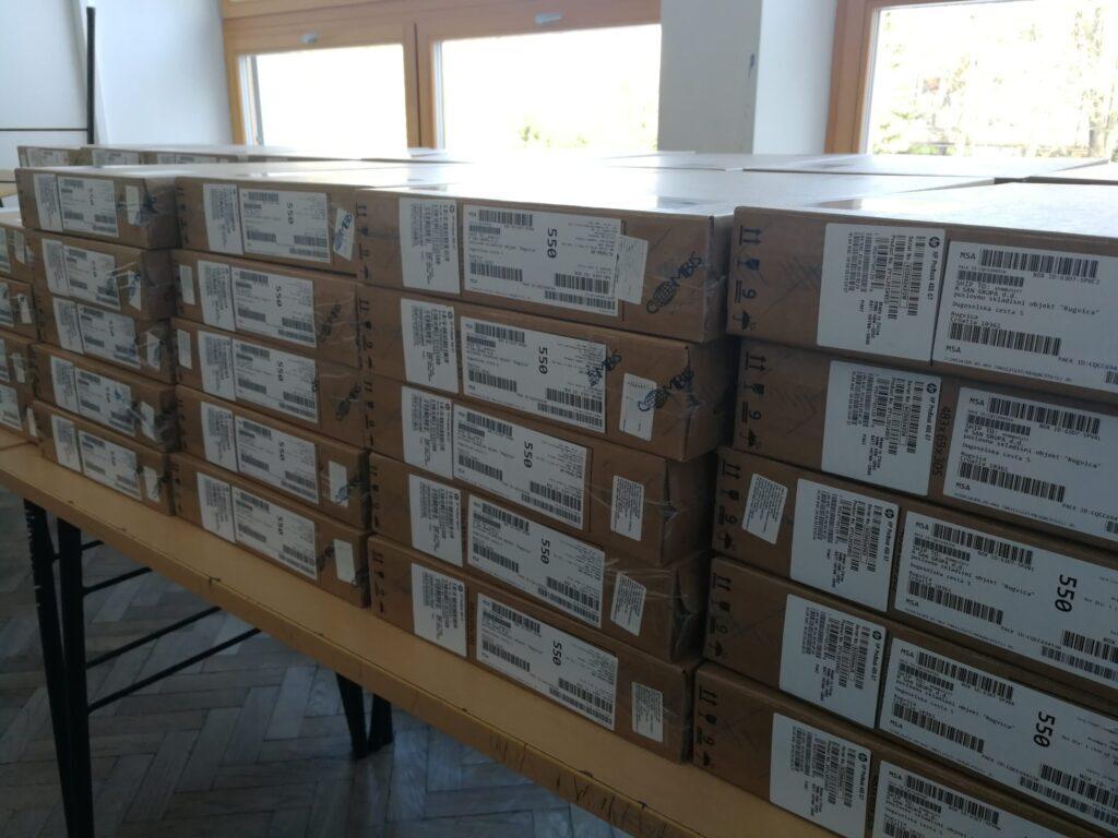 Osnovna škola Đurđevac uspješno osigurala nabavu 63 prijenosna računala za učitelje