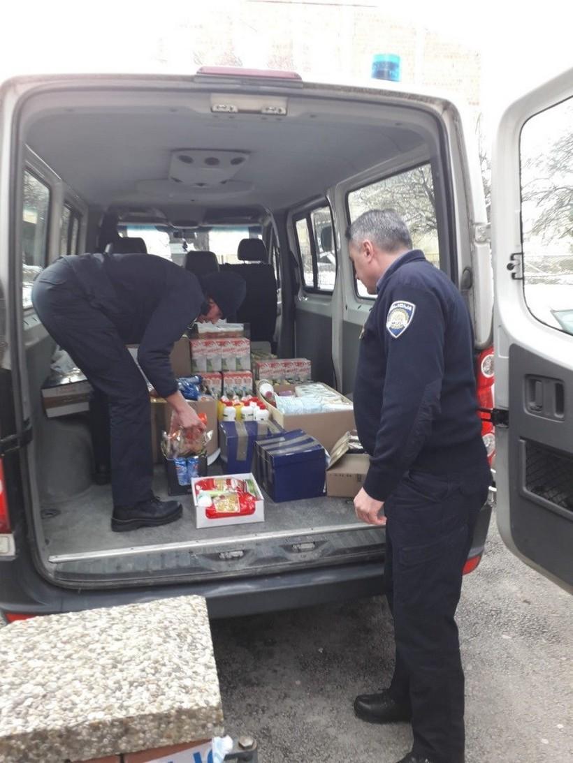 pomoć policija (3)
