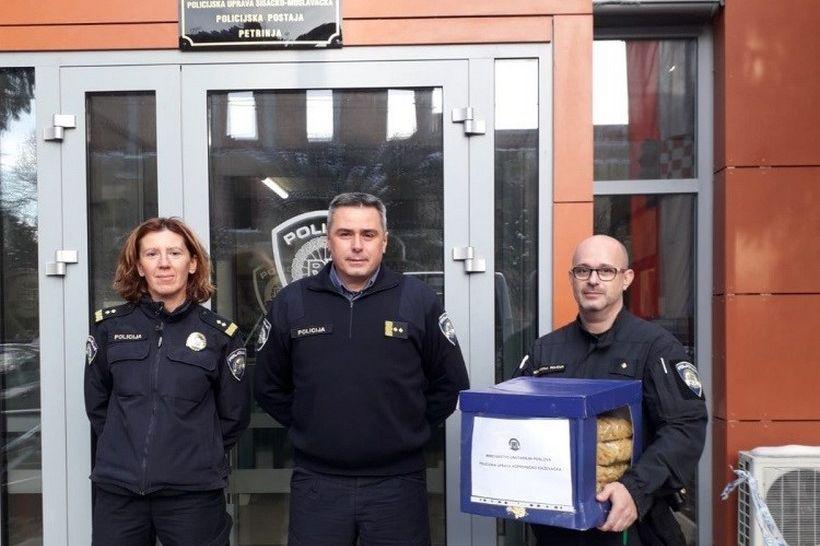 Djelatnici Policijske uprave koprivničko-križevačke prikupili pomoć za stanovnike s potresom ugroženih područja