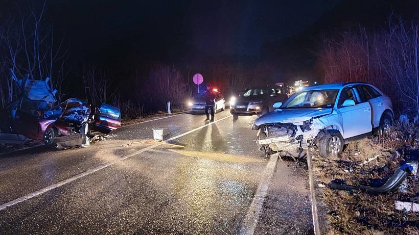 Dvije osobe poginule u prometnoj nesreći