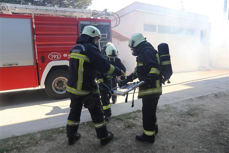 Zapalio se kontejner; izgorio sav namještaj u njemu