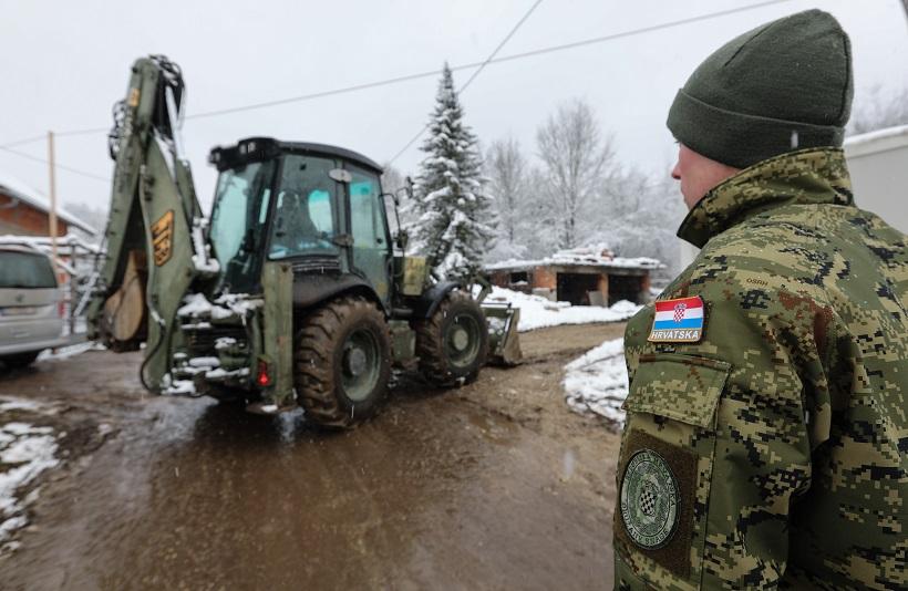 MORH: Ministar Banožić i admiral Hranj obišli pripadnike HV-a na Banovini