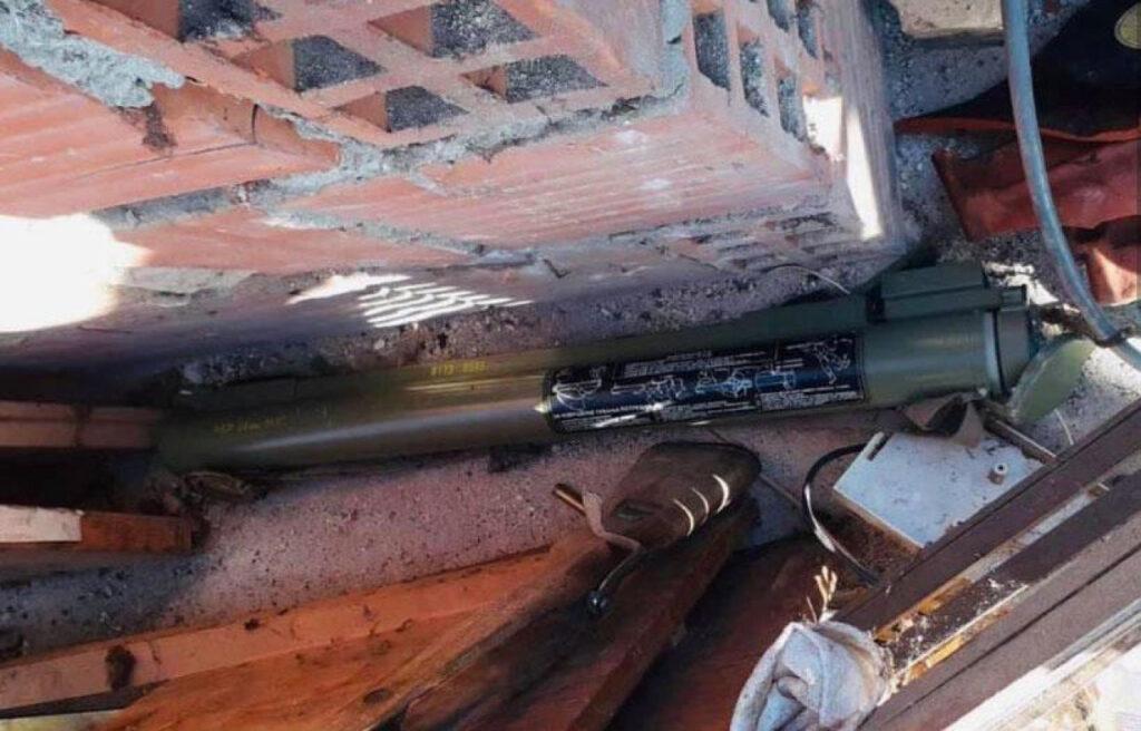 Na tavanu kuće kod Petrinje pronašli zolju, mine, mitraljez, 7 kilograma TNT i to nije sve!