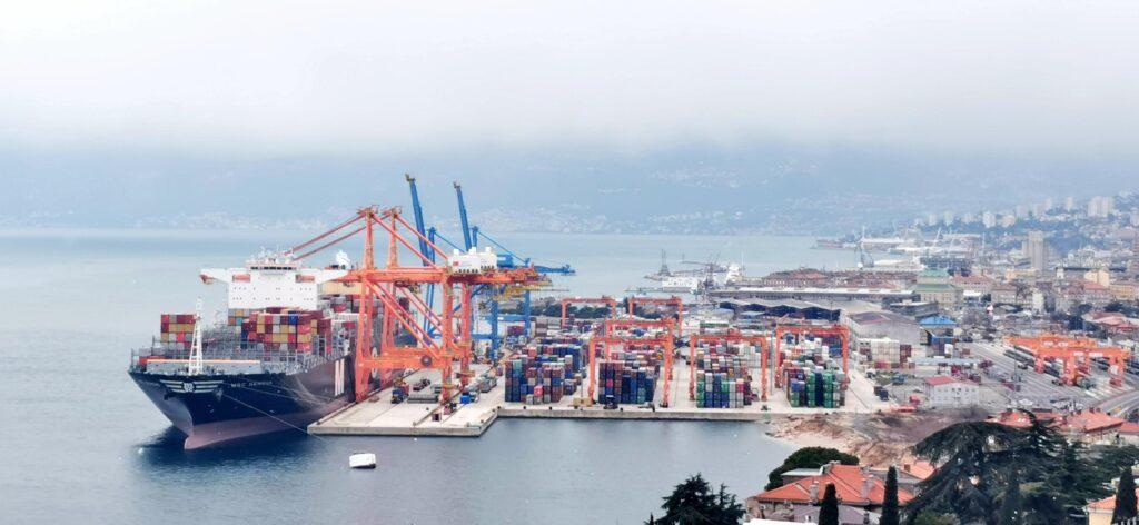 U Hrvatsku pristigle dodatne količine zaštitne opreme iz Kine
