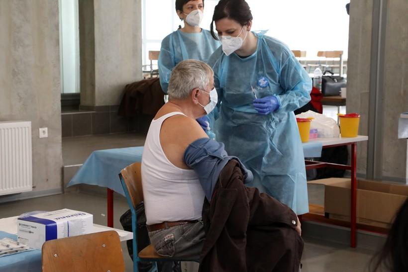 Prva dama cijepila osobe protiv koronavirusa u Sisku: 'Higijena jedan od najvažnijih čimbenika prevencije zaraze'