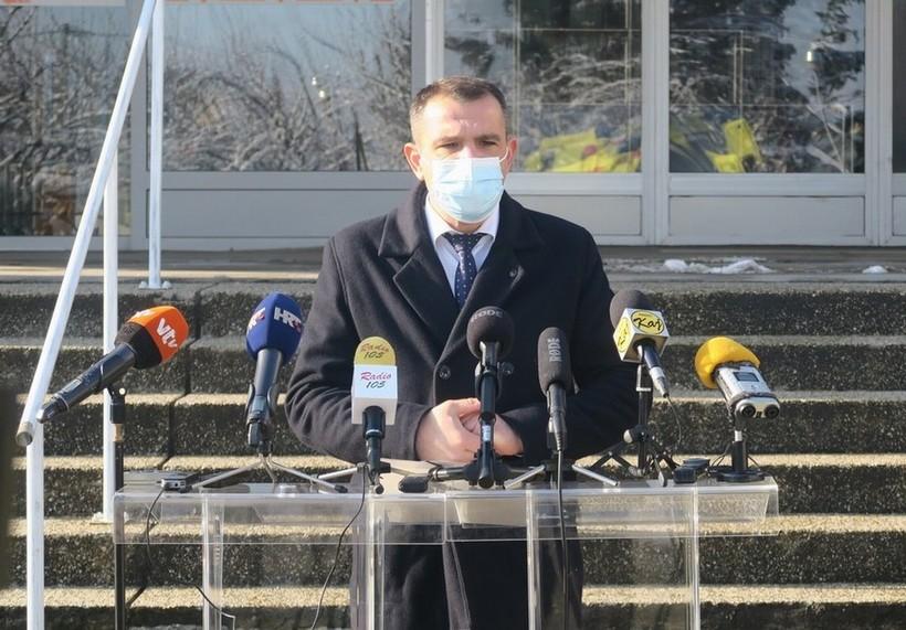Rekonstrukcija i uređenje prostorija za djelatnost sanitetskog prijevoza i uprave Zavoda za hitnu medicinu Međimurske županije (17)