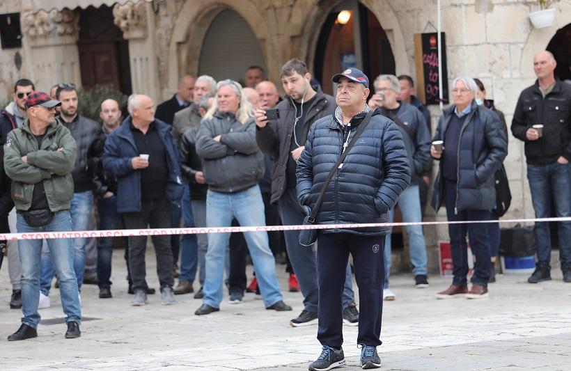 Radnici Brodotrogira prosvjedom tražili isplatu plaća