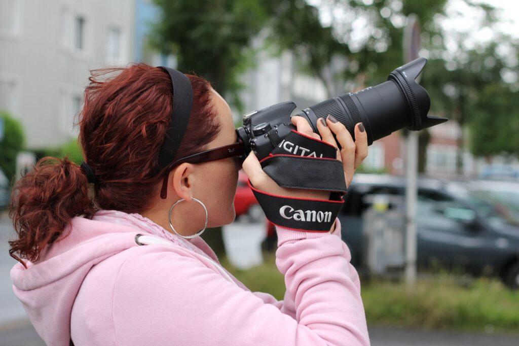 Novinarkama zatvorske kazne zbog snimanja prosvjeda
