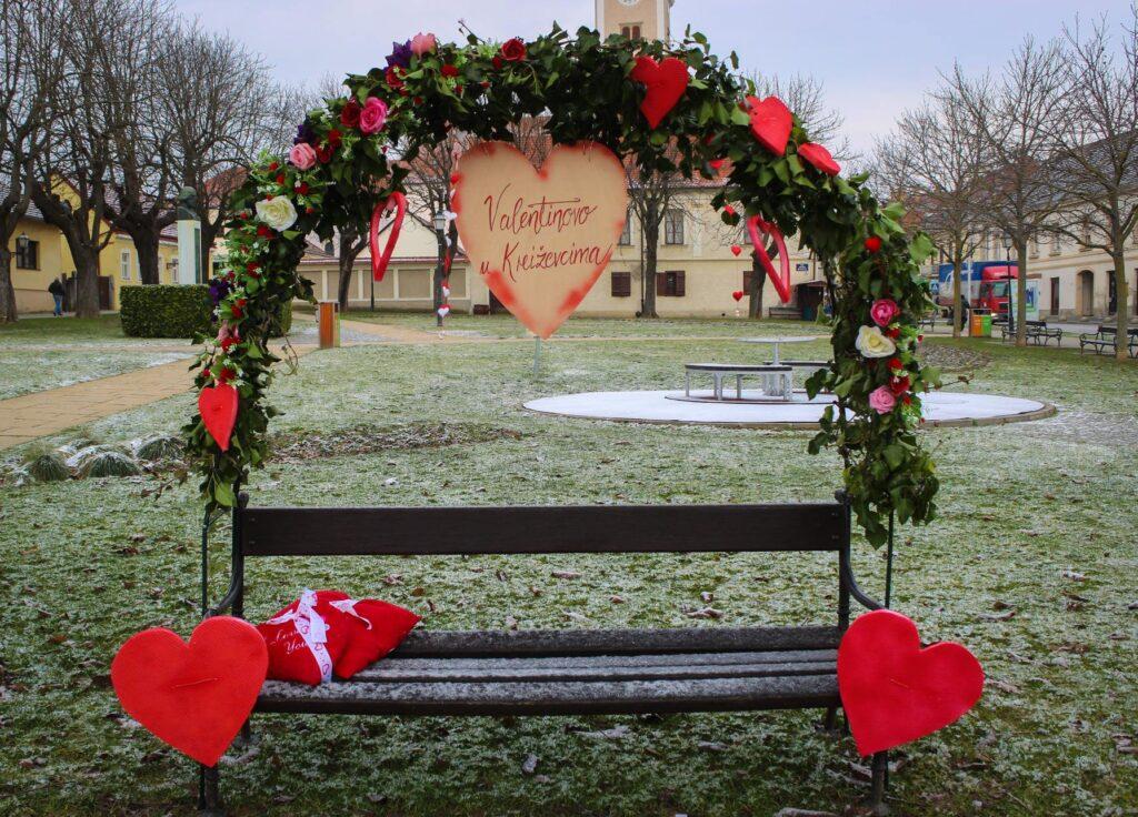 Valentinovo u Križevcima – kutak za fotku, ali i za poljubac