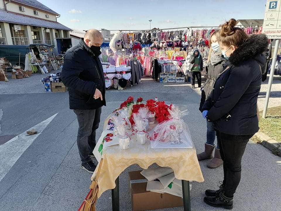 Povodom Valentinova održana prigodna prodaja rukotvorina Udruge Maslačak