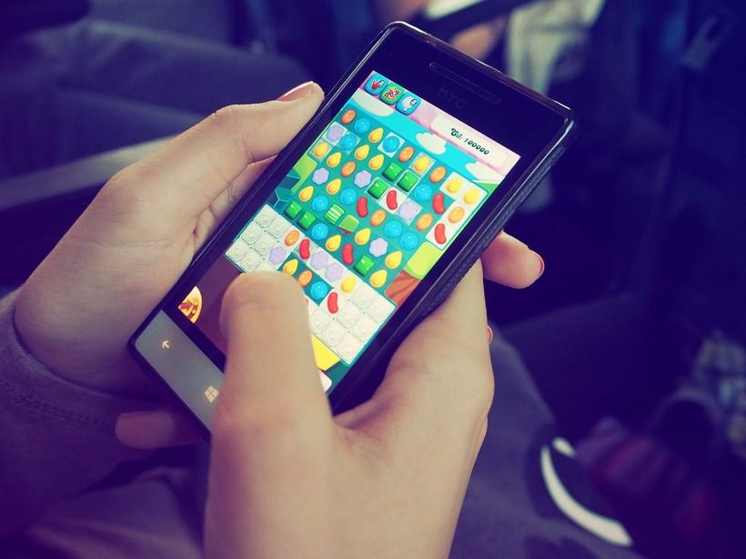 PAZITE ŠTO RADE 7-godišnjak na majčinu mobitelu potrošio više od 2700 eura
