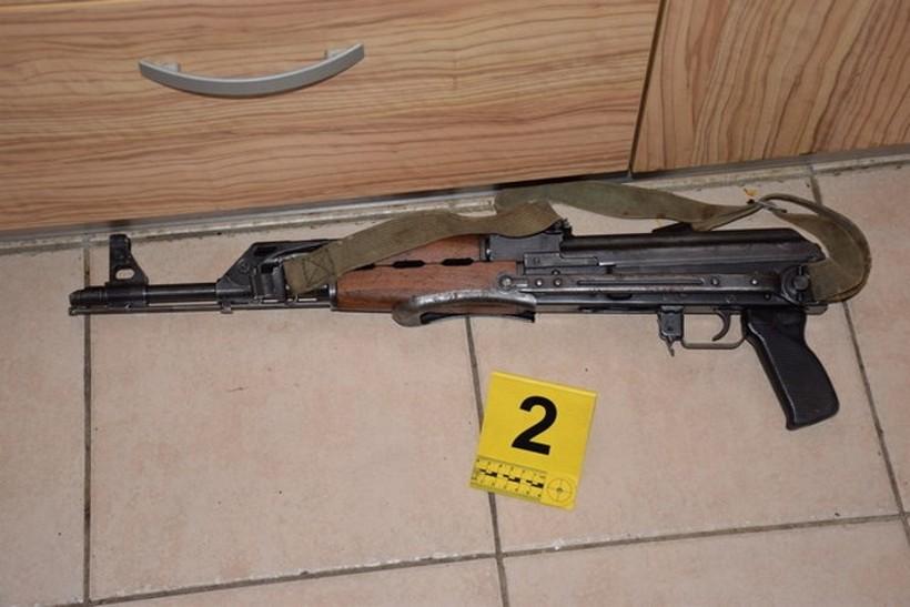 Kod 65-godišnjaka pronašli automatsku pušku i veću količina streljiva