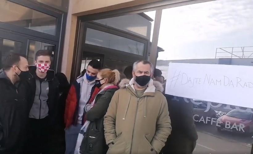 🎦 Križevački ugostitelji organizirali prosvjed: 'Prihoda nema, a nitko ne oprašta najmove'