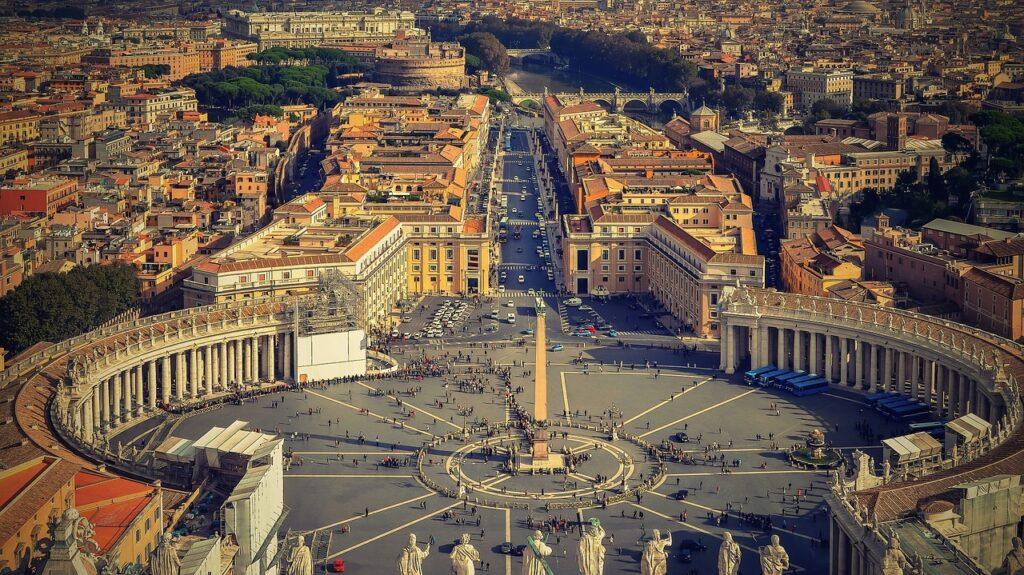 Prva žena imat će pravo glasa na sljedećoj sinodi u Vatikanu: 'Crkva se reformira i ide u korak s vremenom'