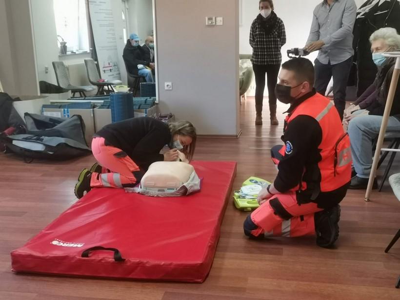 Klub umirovljenika Vrbovec proveo edukaciju građana o pružanju prve pomoći