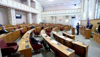 Saborska oporba o covid-dodatku: Vlada kupuje glasove umirovljenika i mladih isplatama pred izbore