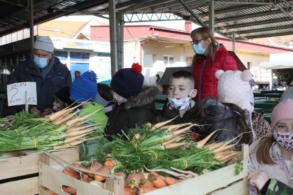 Edukativnom šetnjom koprivničkom tržnicom, obilježili Svjetski dan zdravlja