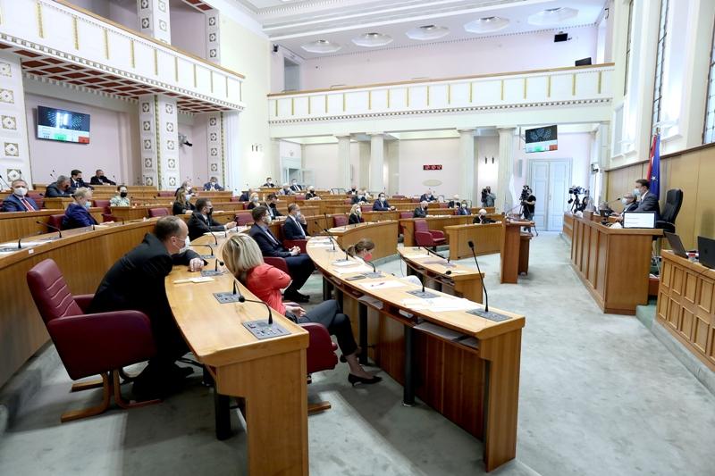Oporba zbog presude HDZ-u traži isprike, ostavke i izbore