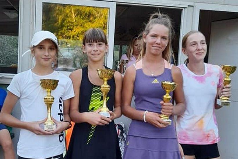 Mia Robotić iz TK Đurđevca na teniskom turniru u Puli ostvarila vrhunske rezultate