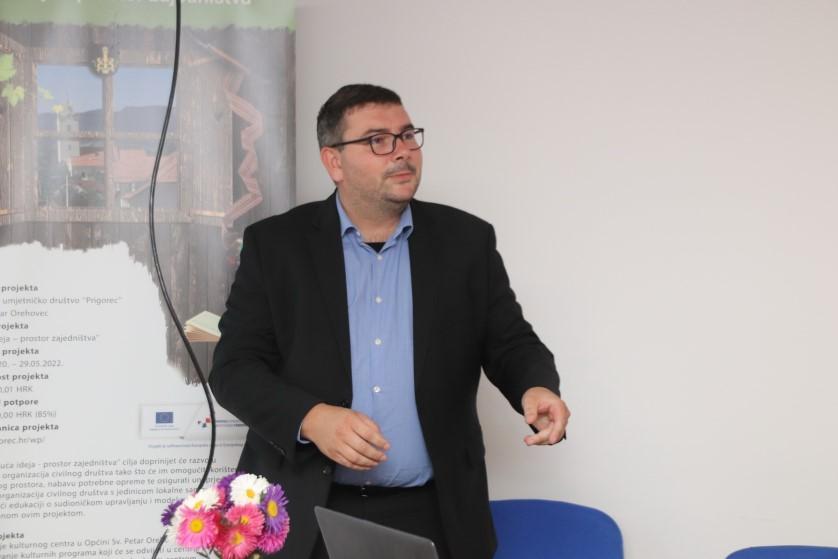Dr. sc. Dejan Pernjak povijesnom radionicom Orehovčanima približio svakodnevicu 17. i 18. stoljeća