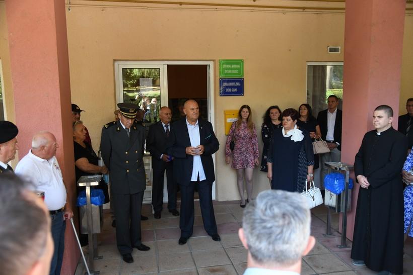 🖼️ 🎦 U Gradecu položeni vijenci i zapaljene svijeće za poginule hrvatske branitelje, otvorena i izložba ratnih fotografija