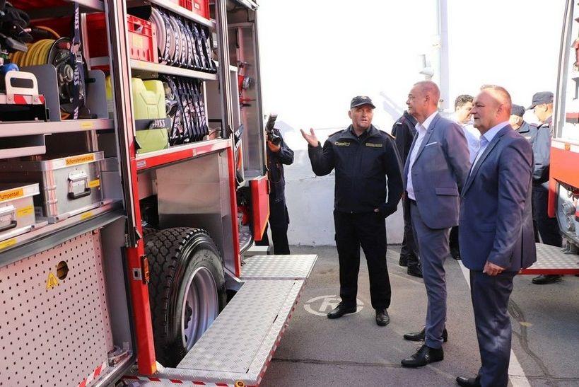 U Križevcima održana svečana primopredaja vatrogasnih vozila vrijednih 4 milijuna kuna