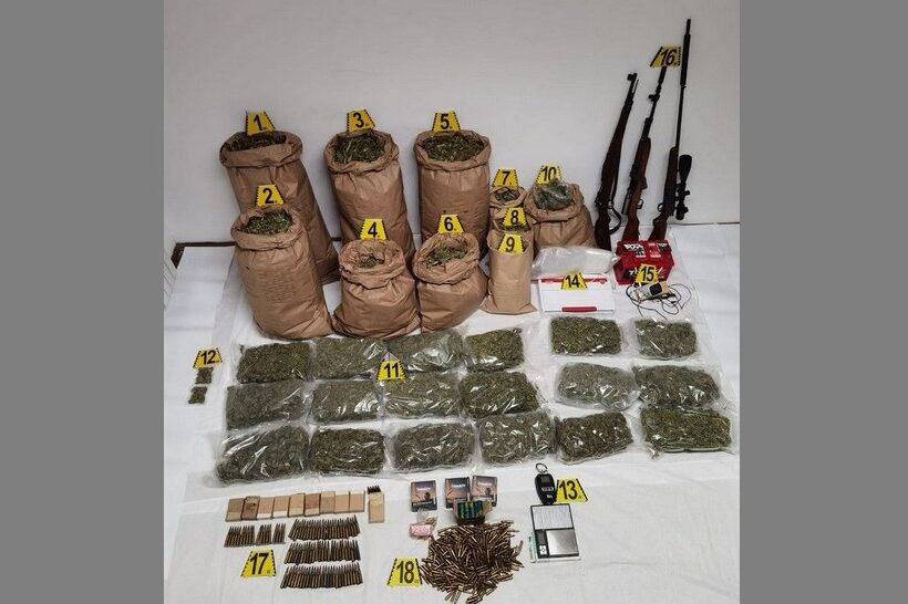Zaplijenjeno više od 23 kilograma marihuane, tri puške i 701 komad streljiva