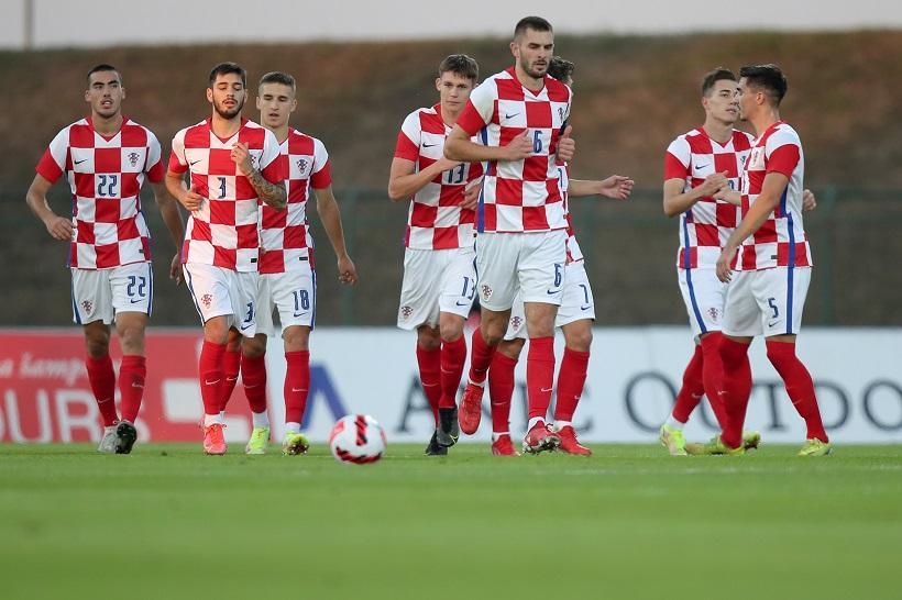Mlada hrvatska nogometna reprezentacija lakše od očekivanoga došla do pobjede u Bakuu