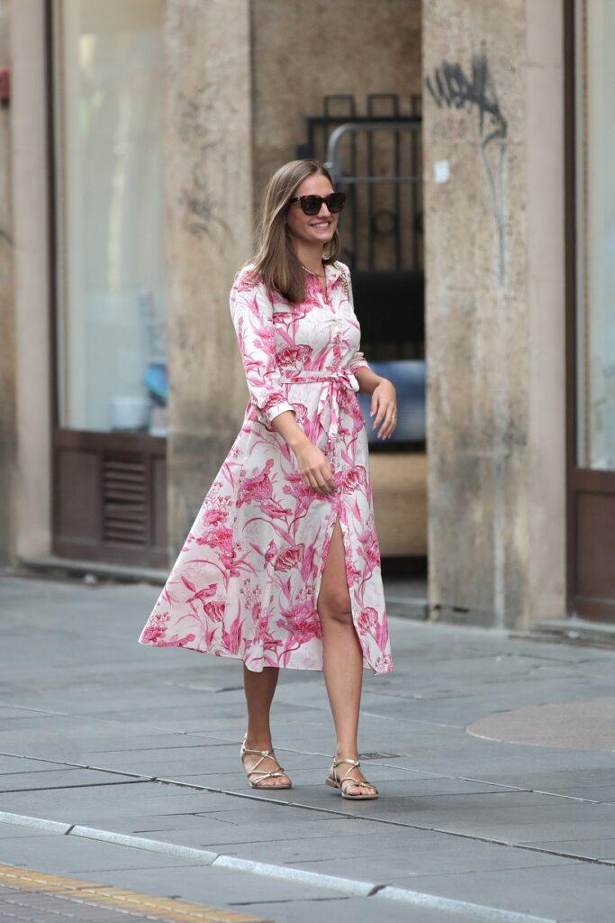 Prelijepa žena u lepršavoj haljini zasjala na Dan ljepote