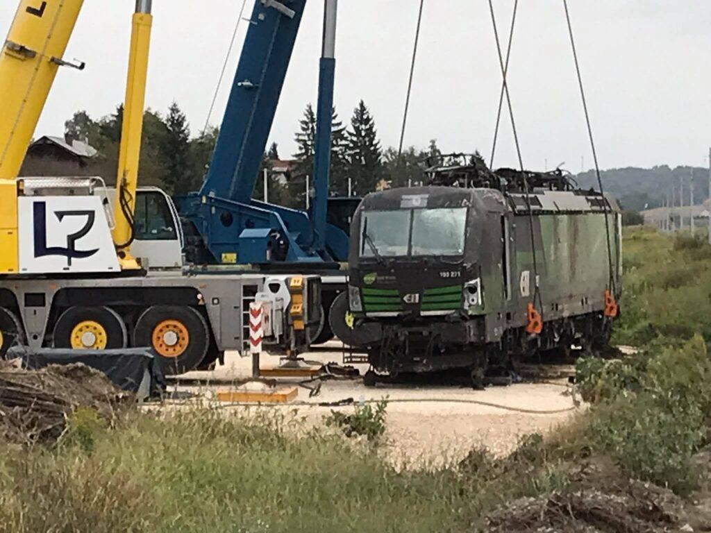 🖼️|🎦 ŽELJEZNIČKA NESREĆA KOD KRIŽEVACA Trebalo je više od mjesec dana za uklanjanje lokomotive