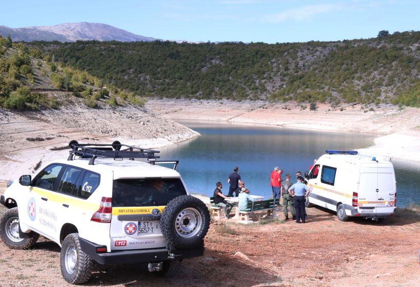 U Perućkom jezeru pronađeno tijelo nestalog mladića